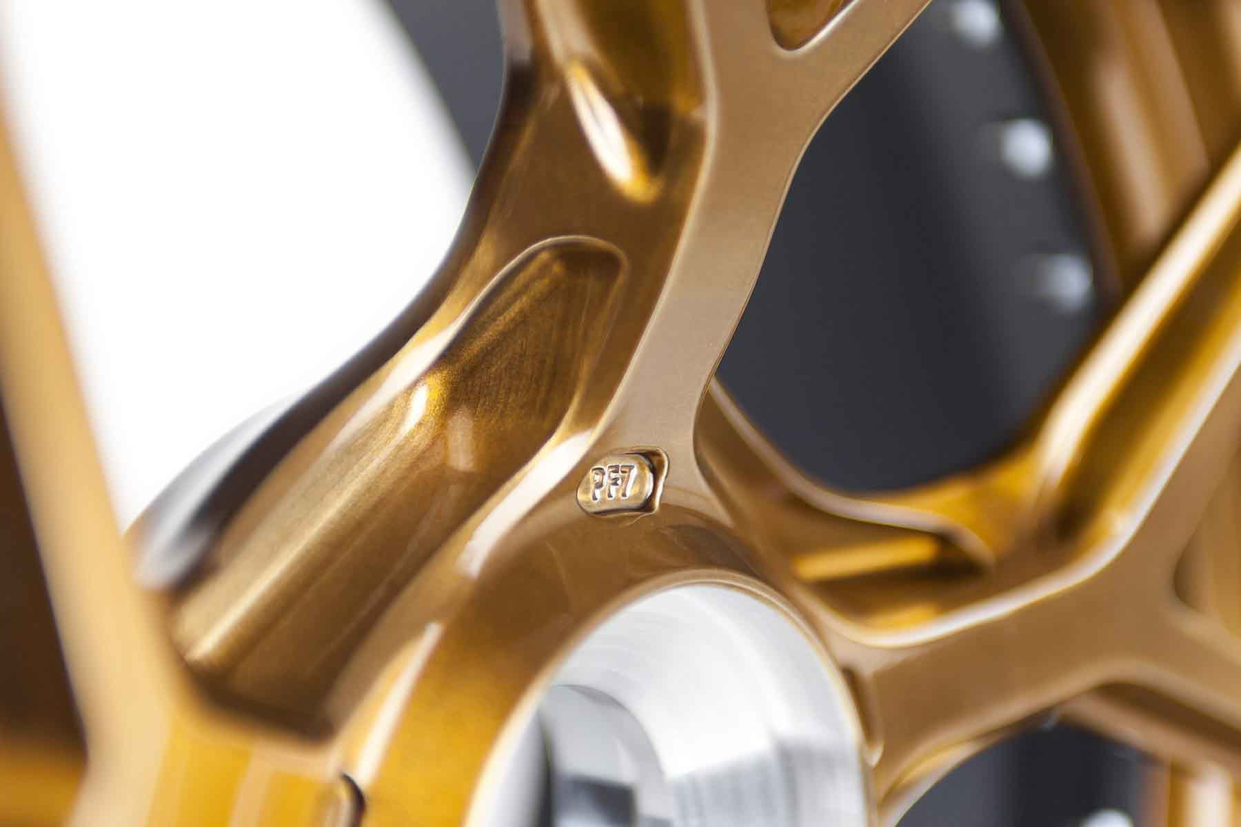 images-products-1-1814-232974102-brixton-forged-pf7-porsche-991-gt3-brushed-olympic-bronze-gloss-center-lock-04-1800x1200.jpg