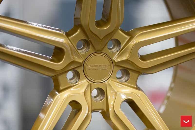 images-products-1-1862-232982342-Vossen-HF-1-Wheel-C43-Gloss-Gold-Hybrid-Forged-Series-_-Vossen-Wheels-2018-1002-1047x698.jpg