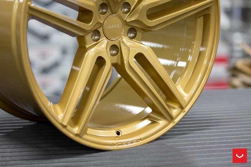 images-products-1-1868-232982348-Vossen-HF-1-Wheel-C43-Gloss-Gold-Hybrid-Forged-Series-_-Vossen-Wheels-2018-1005-1047x698.jpg