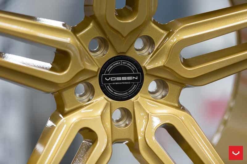 images-products-1-1872-232982352-Vossen-HF-1-Wheel-C43-Gloss-Gold-Hybrid-Forged-Series-_-Vossen-Wheels-2018-1016-1047x698.jpg