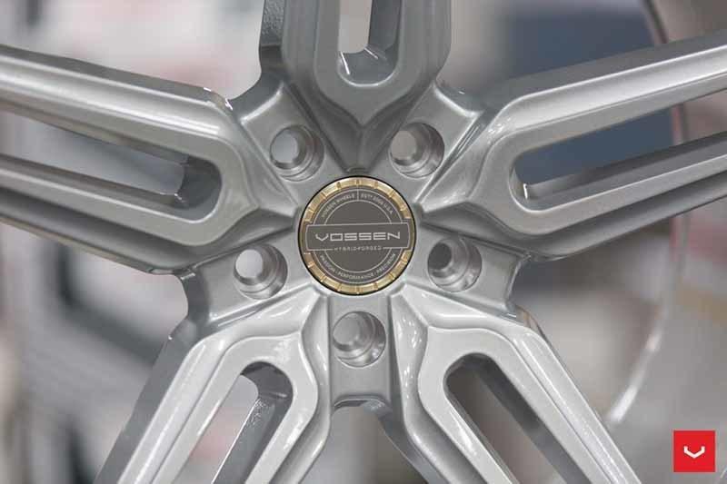 images-products-1-1881-232982361-Vossen-HF-1-Wheel-C33-Gloss-Silver-Hybrid-Forged-Series-_-Vossen-Wheels-2018-1002-1047x698.jpg