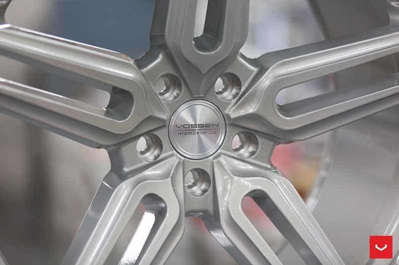 images-products-1-1884-232982364-Vossen-HF-1-Wheel-C33-Gloss-Silver-Hybrid-Forged-Series-_-Vossen-Wheels-2018-1023-1047x698.jpg