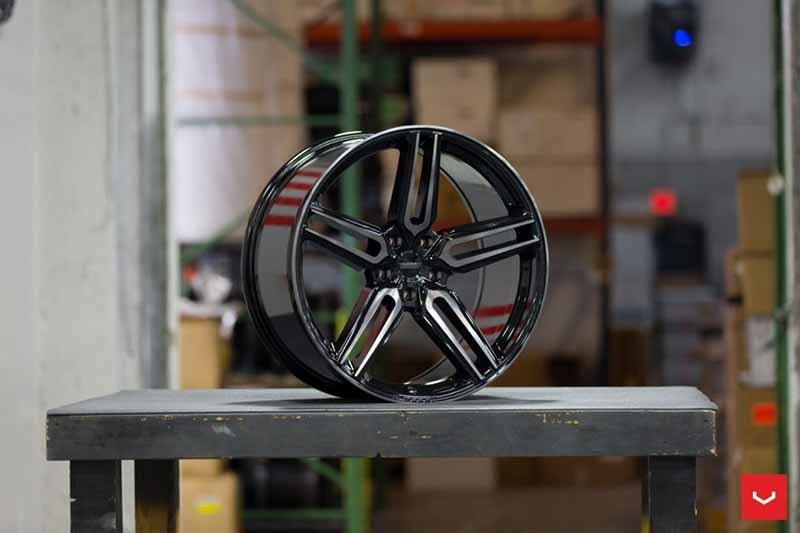 images-products-1-1922-232982402-Hybrid-Forged-HF-Series-HF-1-Tinted-Gloss-Black-_-Vossen-Wheels-2018-1029-1047x698.jpg