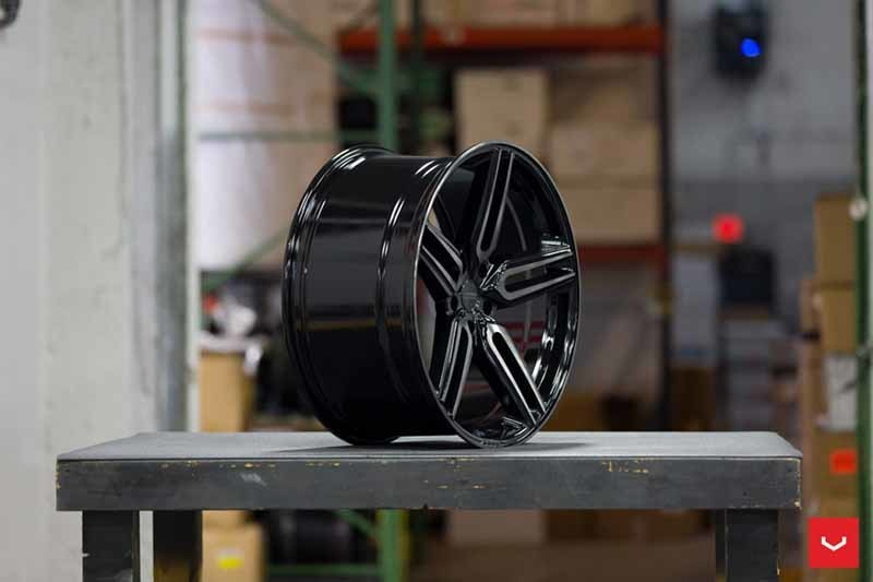 images-products-1-1923-232982403-Hybrid-Forged-HF-Series-HF-1-Tinted-Gloss-Black-_-Vossen-Wheels-2018-1030-1047x698.jpg
