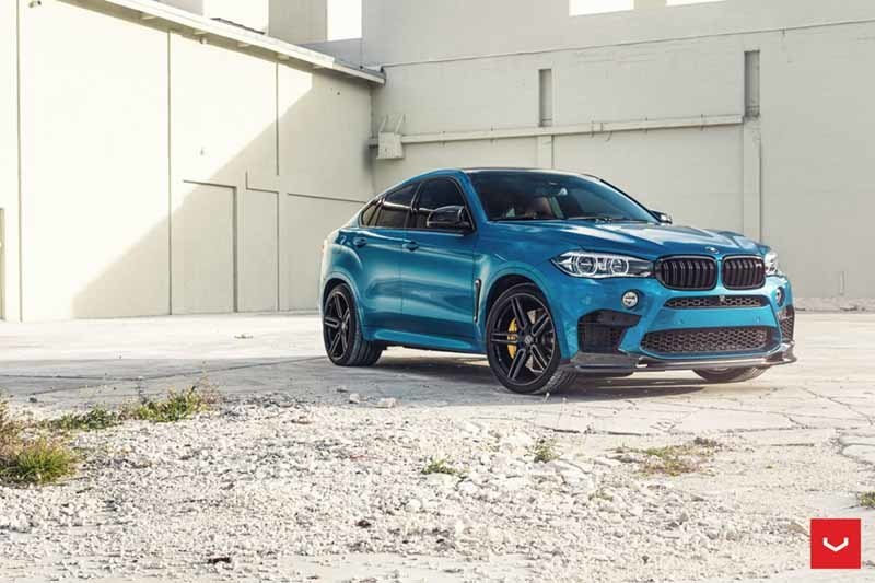 images-products-1-1932-232982412-BMW-X6M-Hybrid-Forged-HF-Series-HF-1-_-Vossen-Wheels-2018-1009-1047x698.jpg