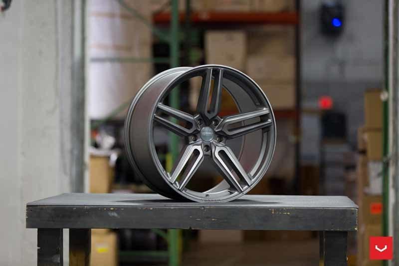 images-products-1-1945-232982425-Vossen-HF-1-Wheel-Tinted-Matte-Gunmetal-Hybrid-Forged-Series-_-Vossen-Wheels-2018-1029-1047x698.jpg