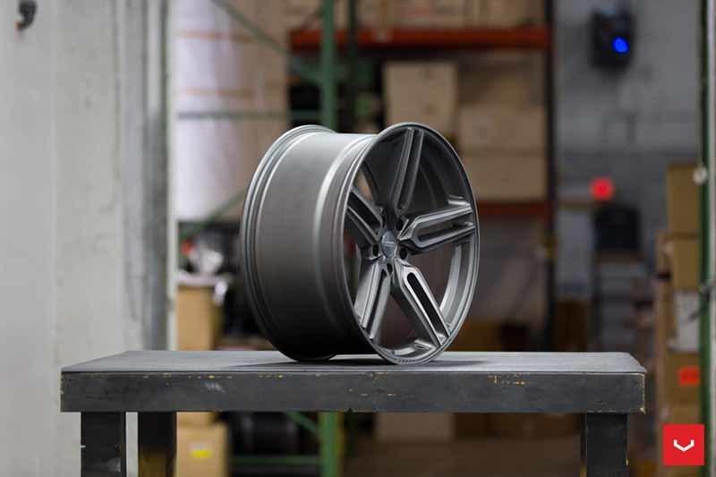images-products-1-1946-232982426-Vossen-HF-1-Wheel-Tinted-Matte-Gunmetal-Hybrid-Forged-Series-_-Vossen-Wheels-2018-1030-1047x698.jpg