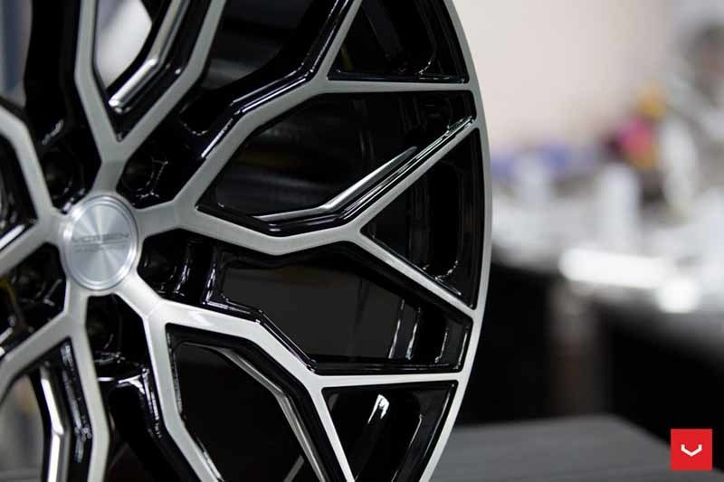 images-products-1-1964-232982444-Vossen-HF-2-Wheel-Tinted-Gloss-Black-Hybrid-Forged-Series-_-Vossen-Wheels-2018-1007-1047x698.jpg
