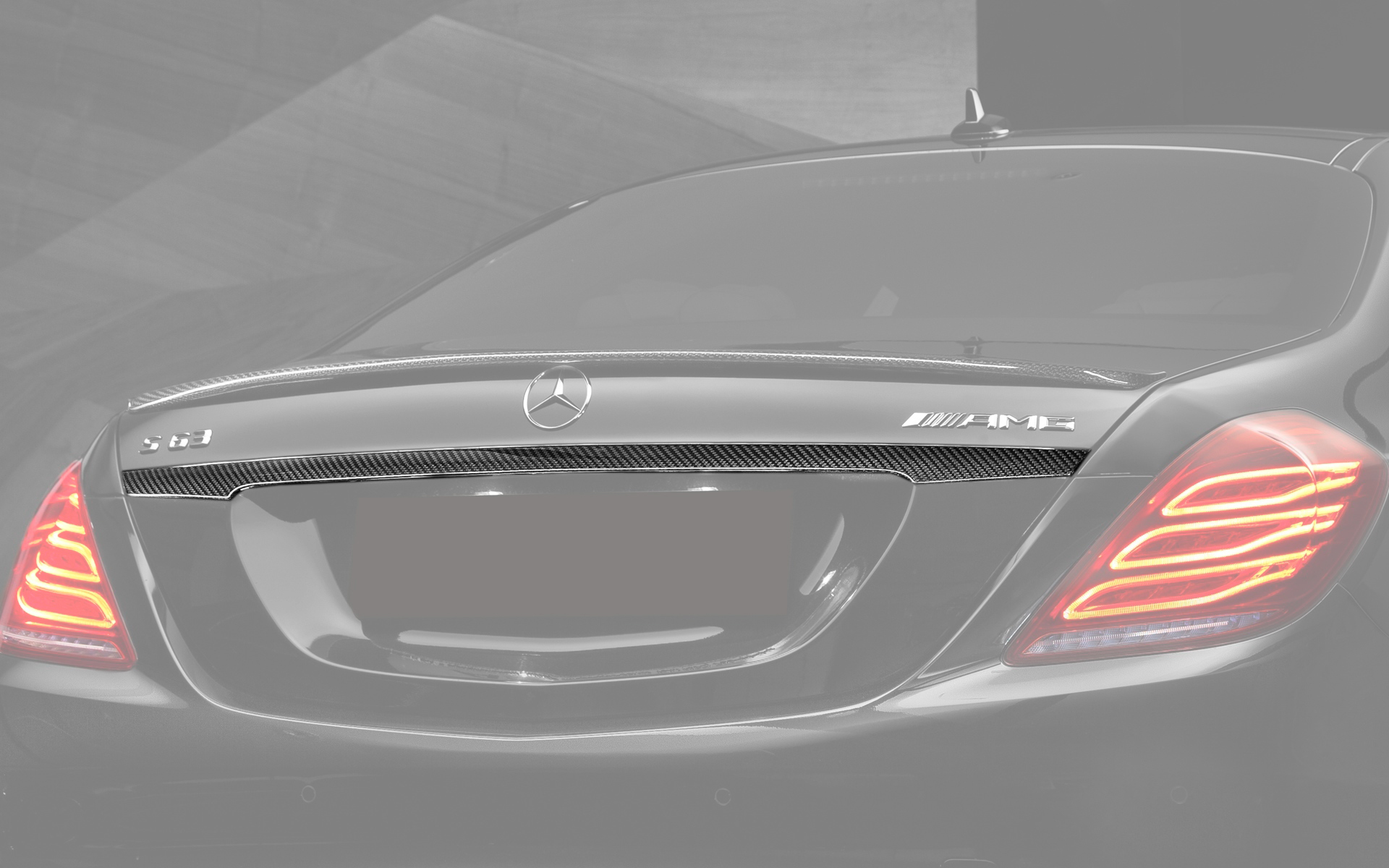 Hodoor Performance Carbon fiber trim on the trunk above number 63 AMG Brabus Style for Mercedes S-class W222