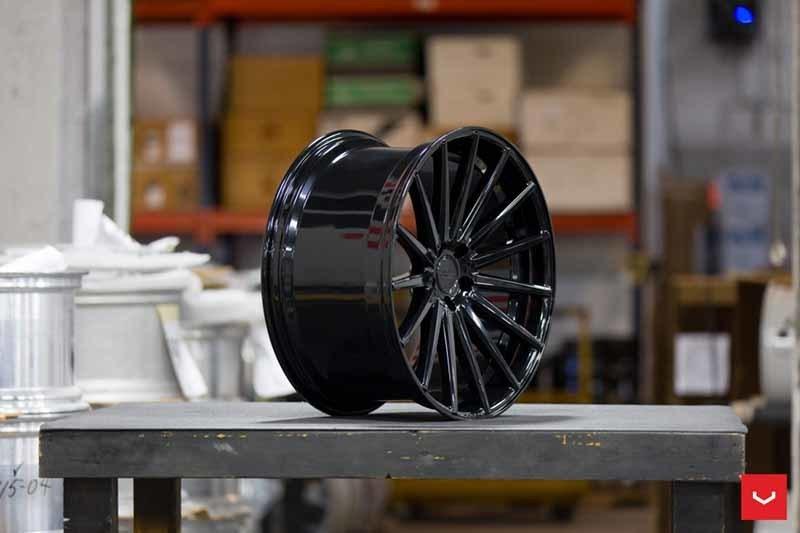 images-products-1-2112-232982592-Vossen-VFS-2-Wheel-C25-Gloss-Black-Hybrid-Forged-Series-_-Vossen-Wheels-2018-1030-1047x698.jpg