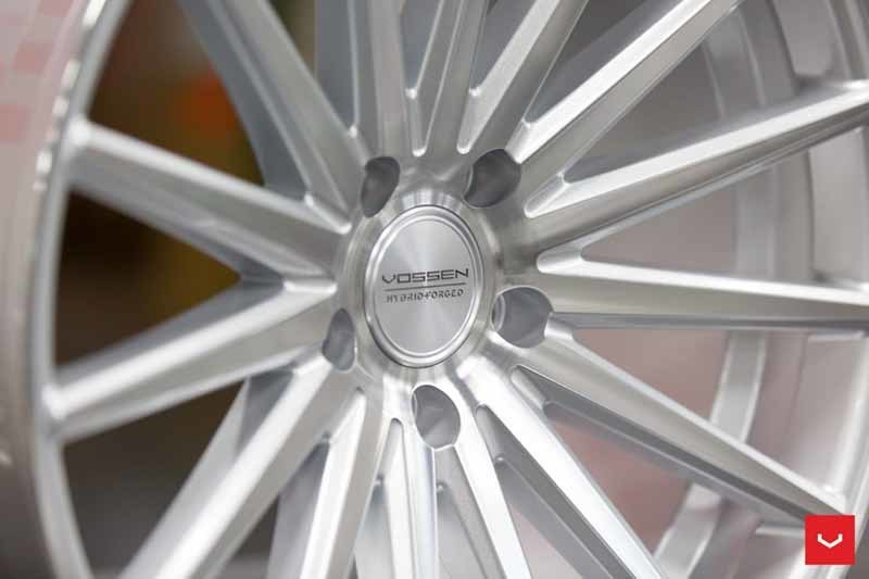 images-products-1-2152-232982632-Vossen-VFS-2-Wheel-Silver-Polished-VF-Series-_-Vossen-Wheels-2018-1004-1047x698.jpg