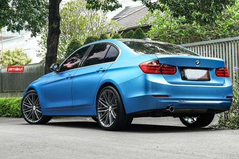 images-products-1-2205-232982685-BMW_3-Series-M3_VFS4_132d790a-1047x698.jpg