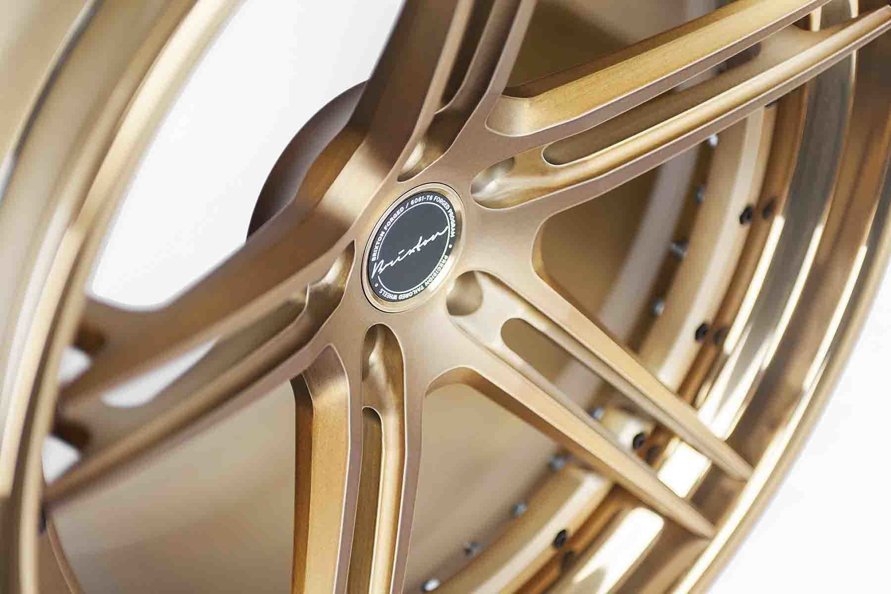 images-products-1-2207-232974495-brixton-forged-m52-targa-series-concave-brushed-olympic-bronze-03.jpg
