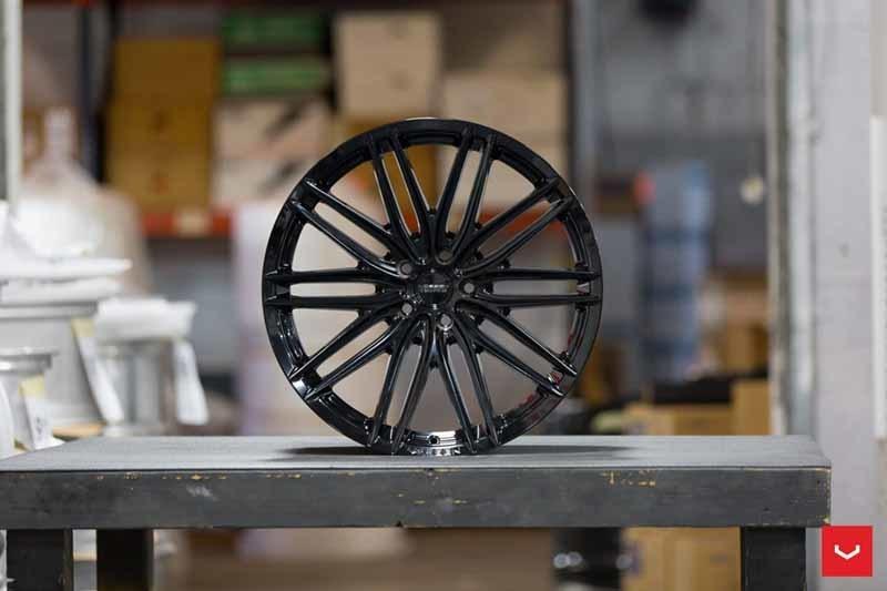 images-products-1-2212-232982692-Vossen-VFS-4-Wheel-C25-Gloss-Black-Hybrid-Forged-Series-_-Vossen-Wheels-2018-1004-1047x698.jpg