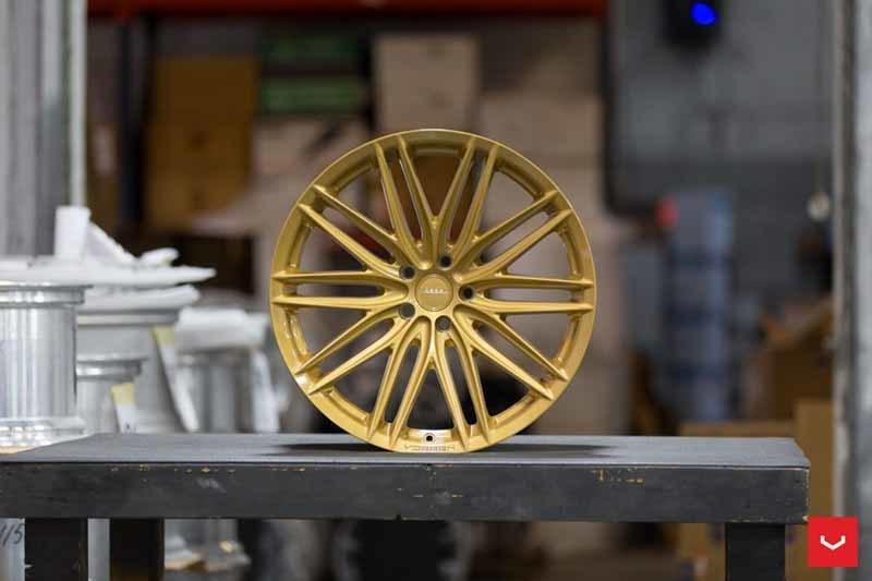 images-products-1-2235-232982715-Vossen-VFS-4-Wheel-C43-Gloss-Gold-Hybrid-Forged-Series-_-Vossen-Wheels-2018-1003-1047x698.jpg