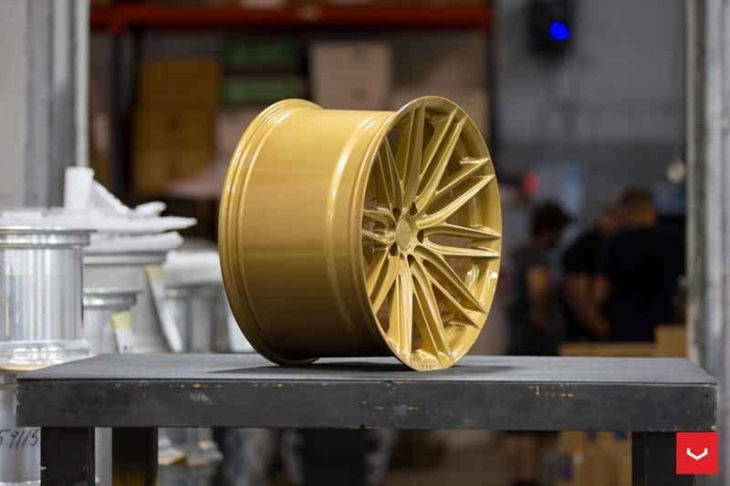 images-products-1-2241-232982721-Vossen-VFS-4-Wheel-C43-Gloss-Gold-Hybrid-Forged-Series-_-Vossen-Wheels-2018-1007-1047x698.jpg