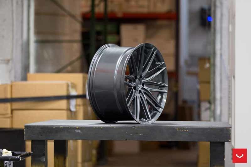 images-products-1-2265-232982745-Vossen-VFS-4-Wheel-Gloss-Graphite-VF-Series-_-Vossen-Wheels-2018-1006-1047x698.jpg