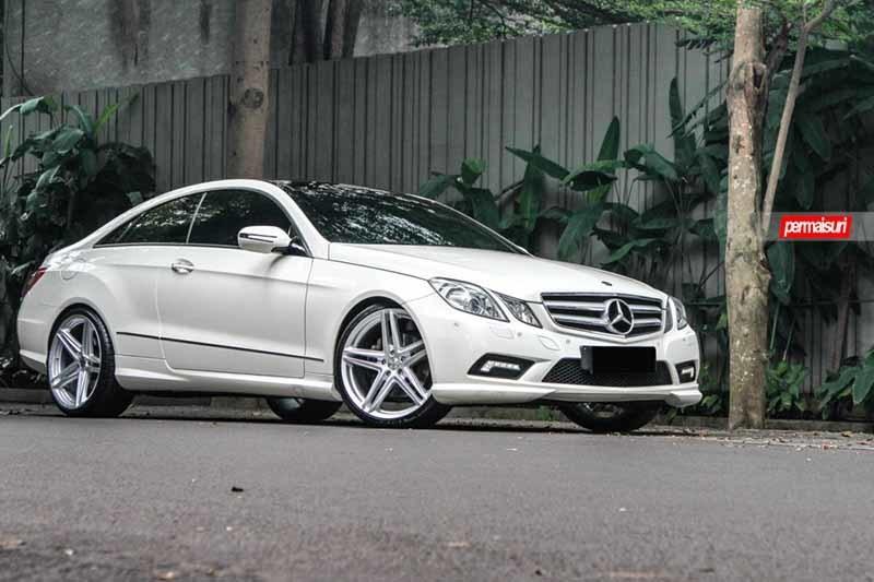 images-products-1-2321-232982801-Mercedes-Benz_E-Class_VFS5_00840a49-1047x698.jpg