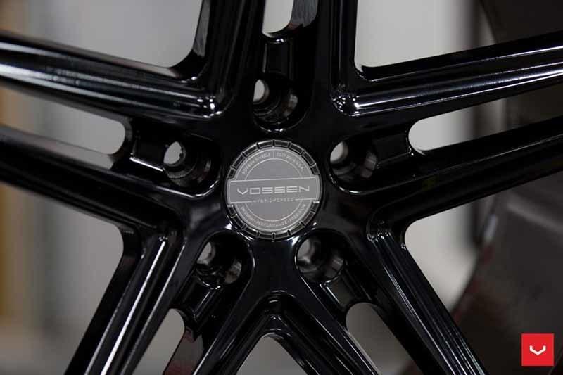 images-products-1-2323-232982803-Vossen-VFS-5-Wheel-C25-Gloss-Black-Hybrid-Forged-Series-_-Vossen-Wheels-2018-1009-1047x698.jpg