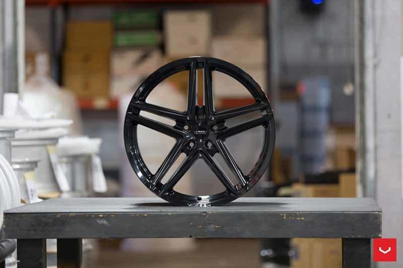 images-products-1-2326-232982806-Vossen-VFS-5-Wheel-C25-Gloss-Black-Hybrid-Forged-Series-_-Vossen-Wheels-2018-1016-1047x698.jpg