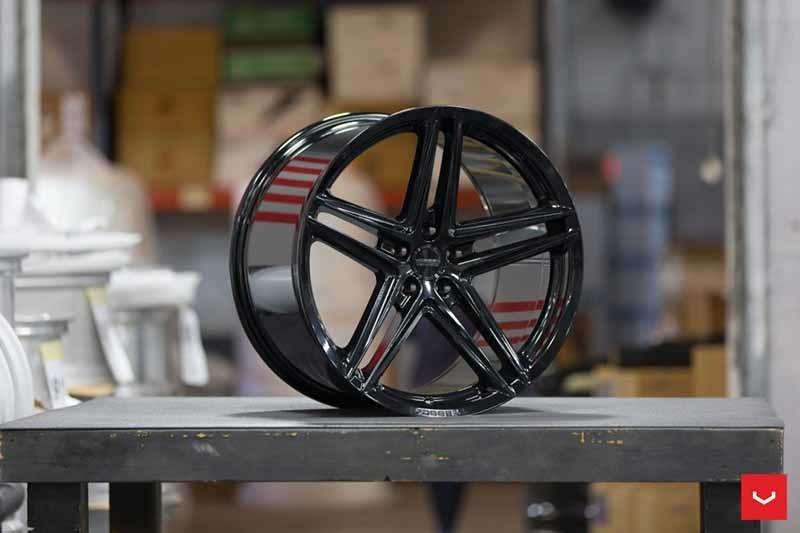 images-products-1-2330-232982810-Vossen-VFS-5-Wheel-C25-Gloss-Black-Hybrid-Forged-Series-_-Vossen-Wheels-2018-1018-1047x698.jpg