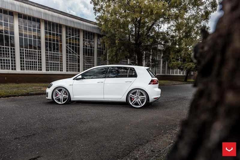 images-products-1-2341-232982821-Volkswagen-GTI-Hybrid-Forged-VFS-5-_-Vossen-Wheels-2018-1013-1047x698.jpg