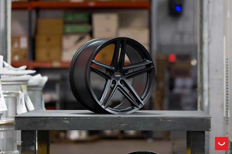 images-products-1-2364-232982844-Vossen-VFS-5-Wheel-C26-Satin-Black-Hybrid-Forged-Series-_-Vossen-Wheels-2018-1012-1047x698.jpg