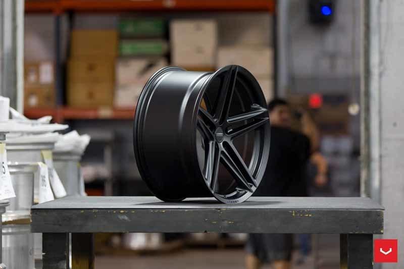 images-products-1-2365-232982845-Vossen-VFS-5-Wheel-C26-Satin-Black-Hybrid-Forged-Series-_-Vossen-Wheels-2018-1013-1047x698.jpg