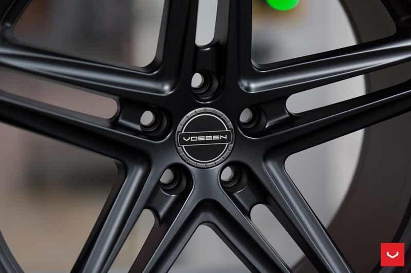 images-products-1-2366-232982846-Vossen-VFS-5-Wheel-C26-Satin-Black-Hybrid-Forged-Series-_-Vossen-Wheels-2018-1015-1047x698.jpg