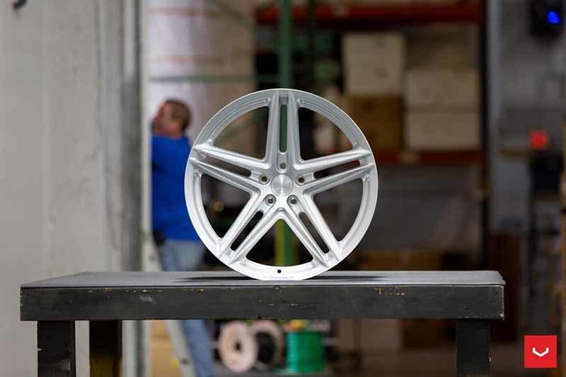 images-products-1-2389-232982869-Vossen-VFS-5-Wheel-Silver-Metallic-VF-Series-_-Vossen-Wheels-2018-1003-1047x698.jpg