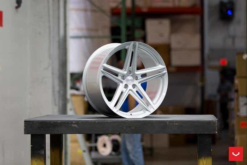 images-products-1-2392-232982872-Vossen-VFS-5-Wheel-Silver-Metallic-VF-Series-_-Vossen-Wheels-2018-1005-1047x698.jpg