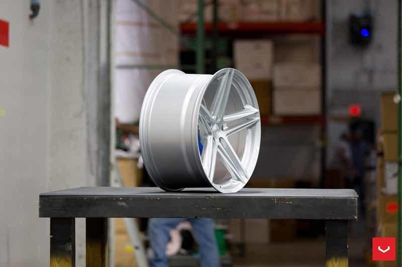images-products-1-2393-232982873-Vossen-VFS-5-Wheel-Silver-Metallic-VF-Series-_-Vossen-Wheels-2018-1006-1047x698.jpg