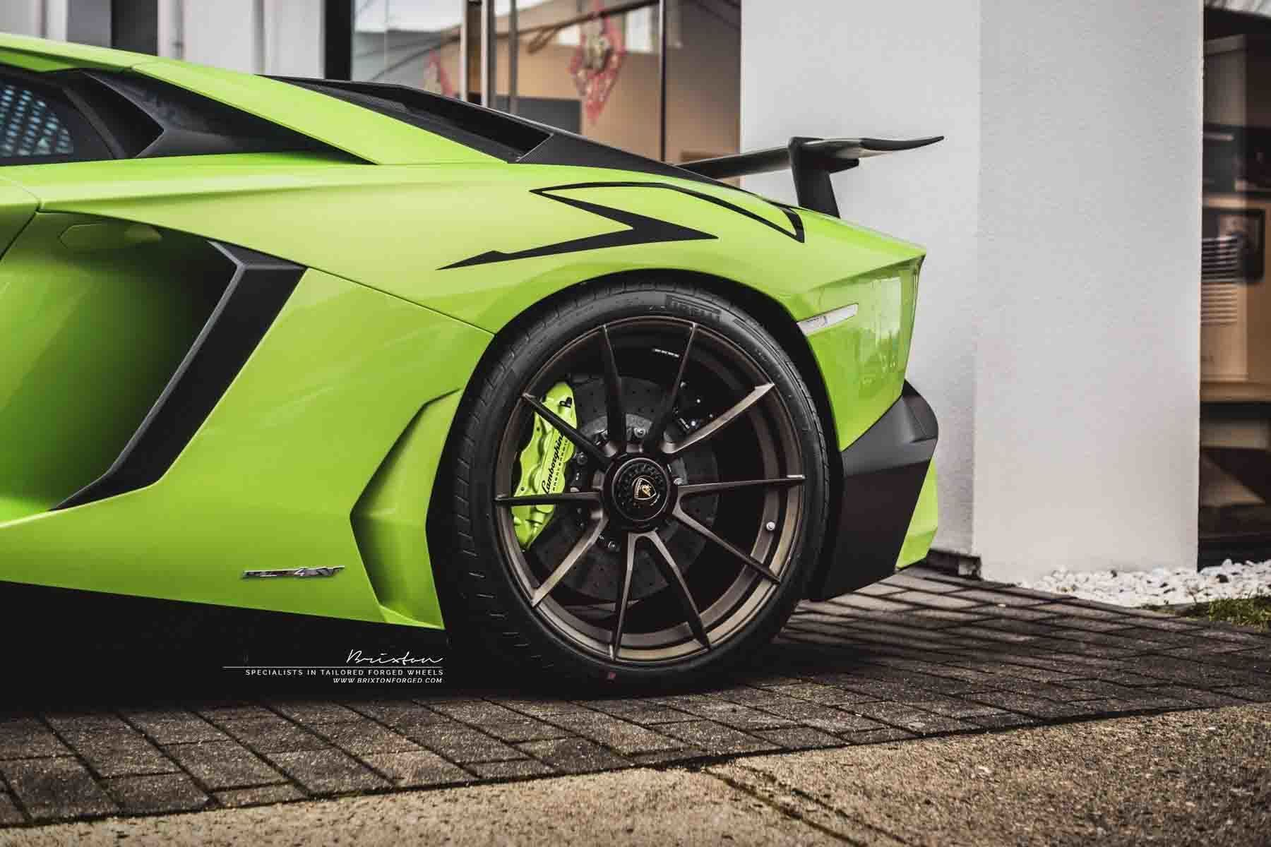 images-products-1-2403-232974691-verde-scandal-lamborghini-aventador-sv-lp750-4-brixton-forged-wheels-wr3-ultrasport-fine-texture.jpg