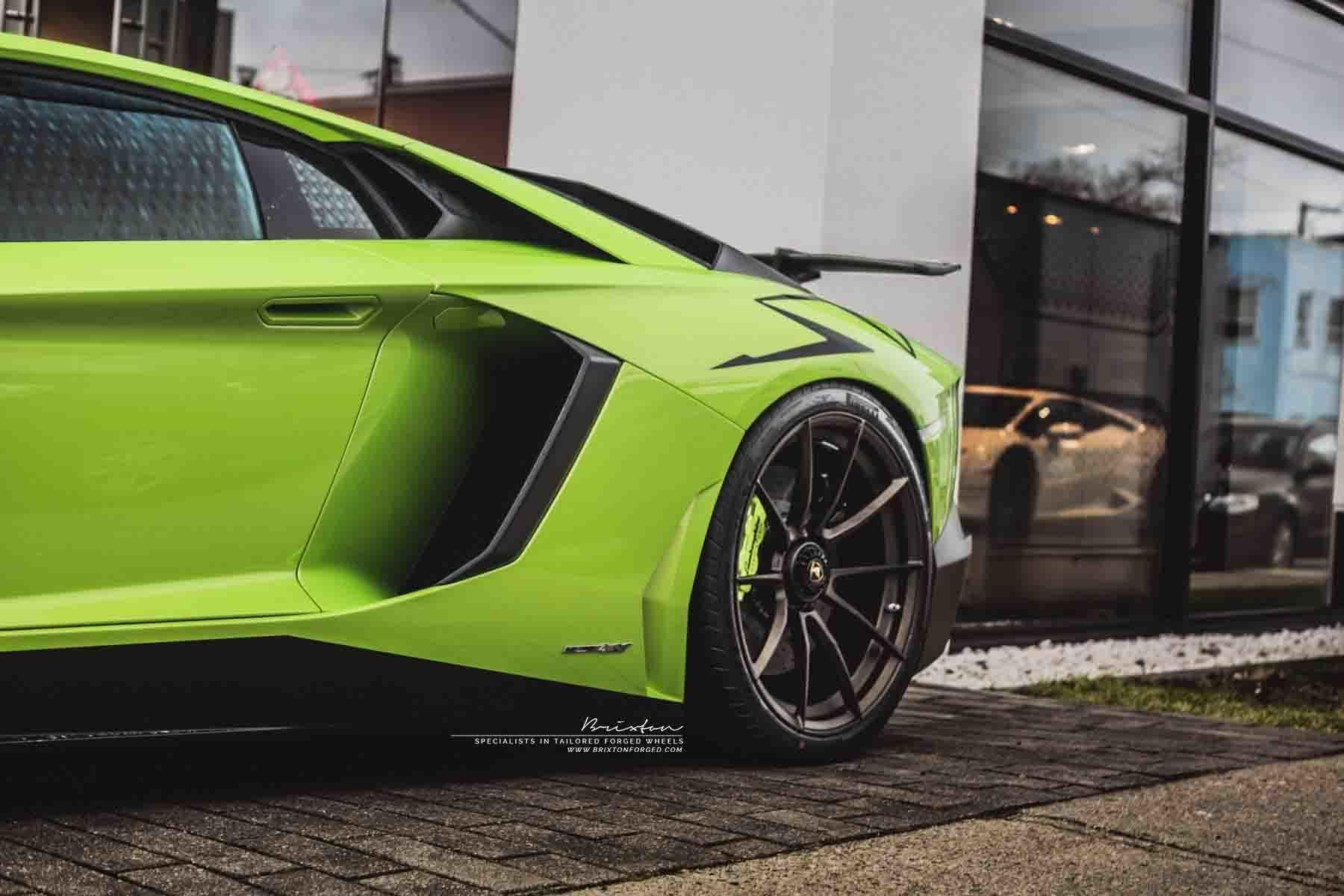 images-products-1-2408-232974696-verde-scandal-lamborghini-aventador-sv-lp750-4-brixton-forged-wheels-wr3-ultrasport-fine-texture.jpg