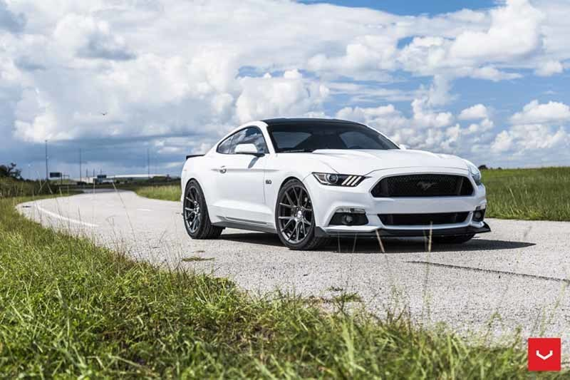 images-products-1-2409-232982889-Ford_Mustang_VFS6_573320aa-1047x698.jpg