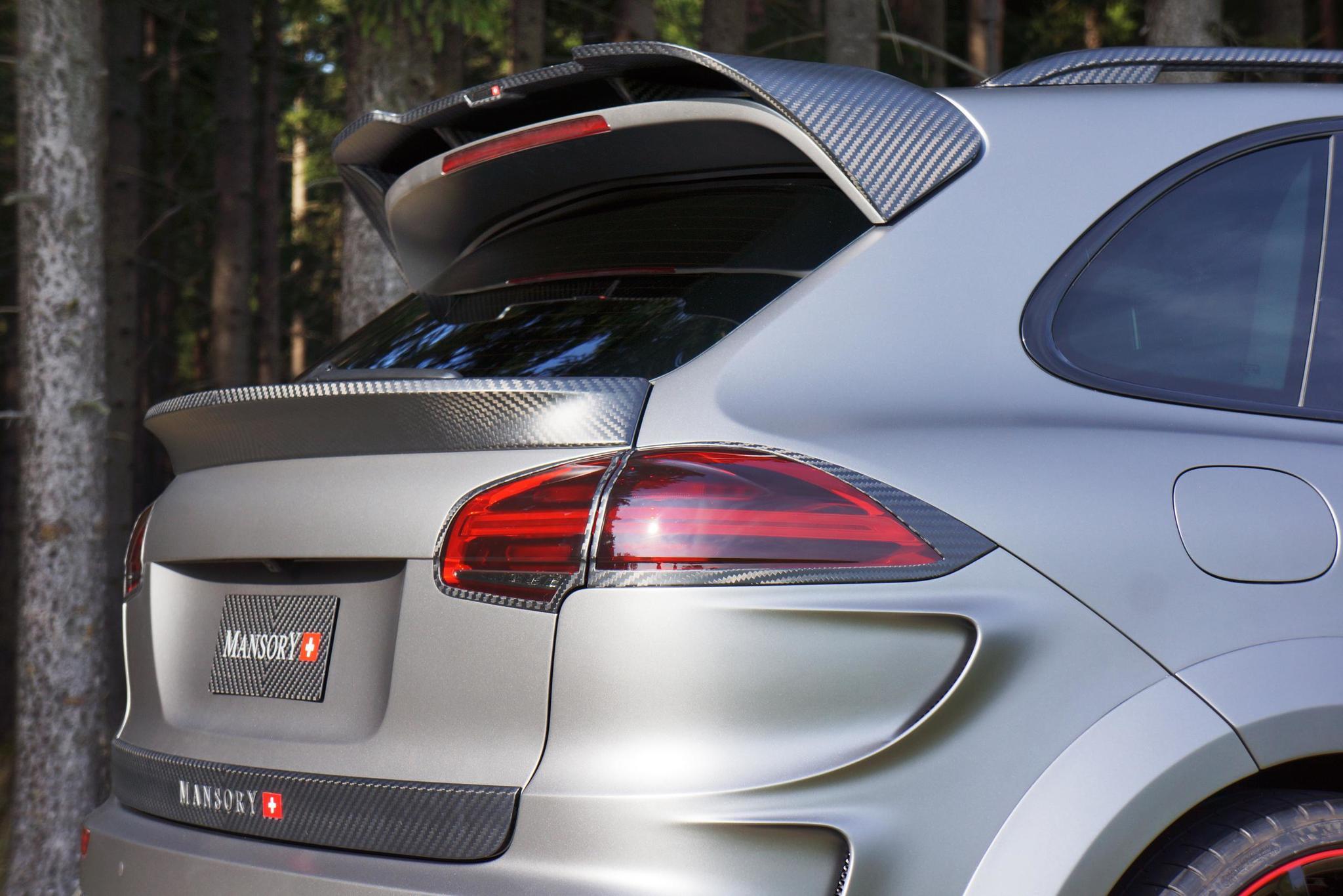 Mansory body kit for Porsche Cayenne carbon