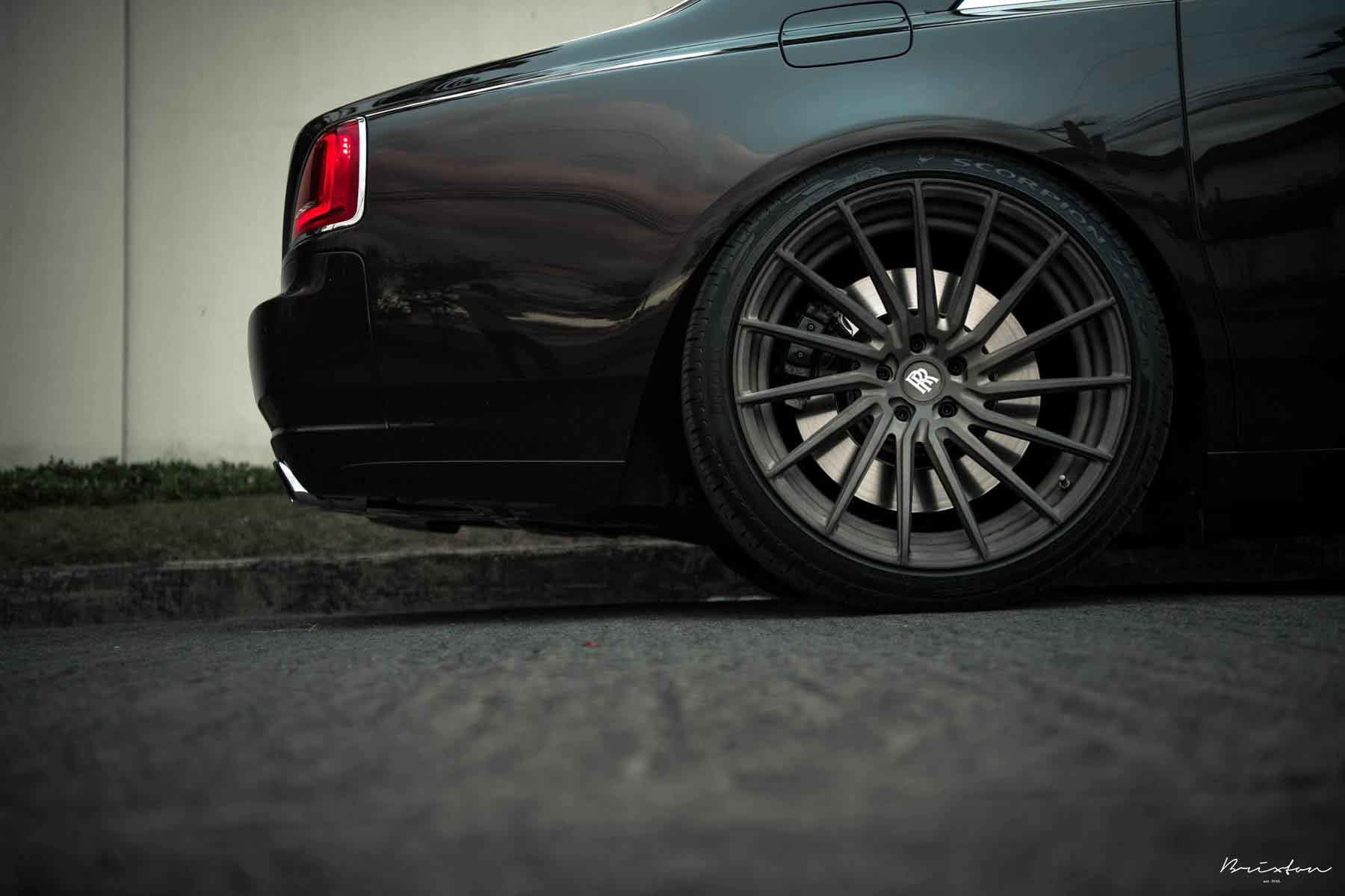images-products-1-2921-232975209-black-rolls-royce-ghost-brixton-forged-r15-ultrasport-brushed-double-tint-satin-concave-forged-w.jpg
