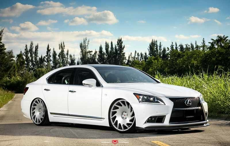 images-products-1-3074-232983554-lexus_ls_vps-313_700.jpg