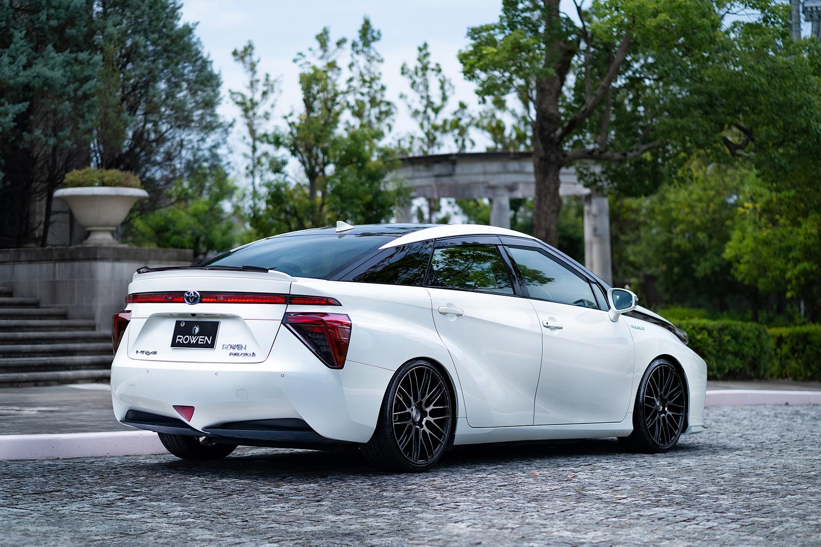 Rowen body kit for Toyota MIRAI JPD10 carbon