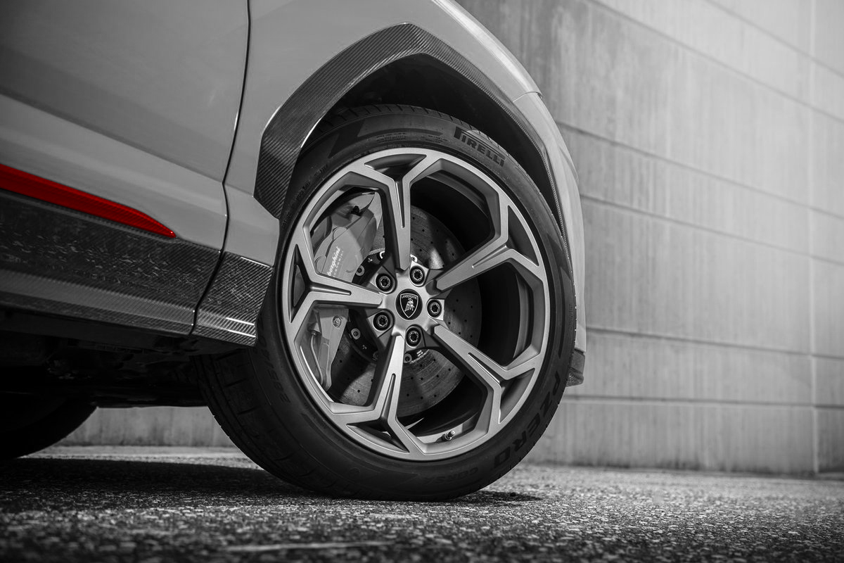 Hodoor Performance Carbon fiber Door Moldings for Lamborghini Urus
