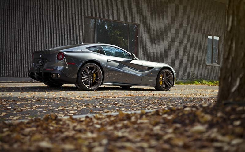 images-products-1-6454-232970550-ferrarif12purrs077.jpg