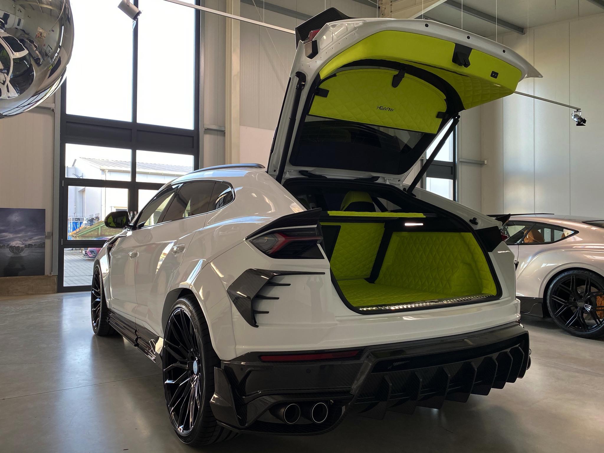 Keyvany body kit for Lamborghini Urus carbon fiber