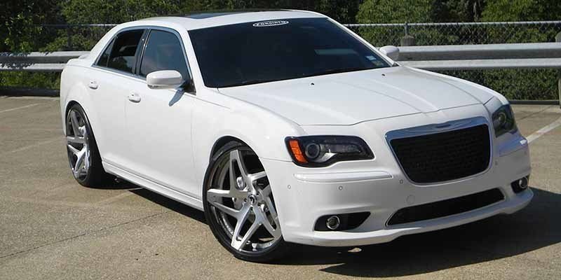 images-products-1-6783-232979071-chrysler-300-white-exotic-f2.11-1-8272014.jpg
