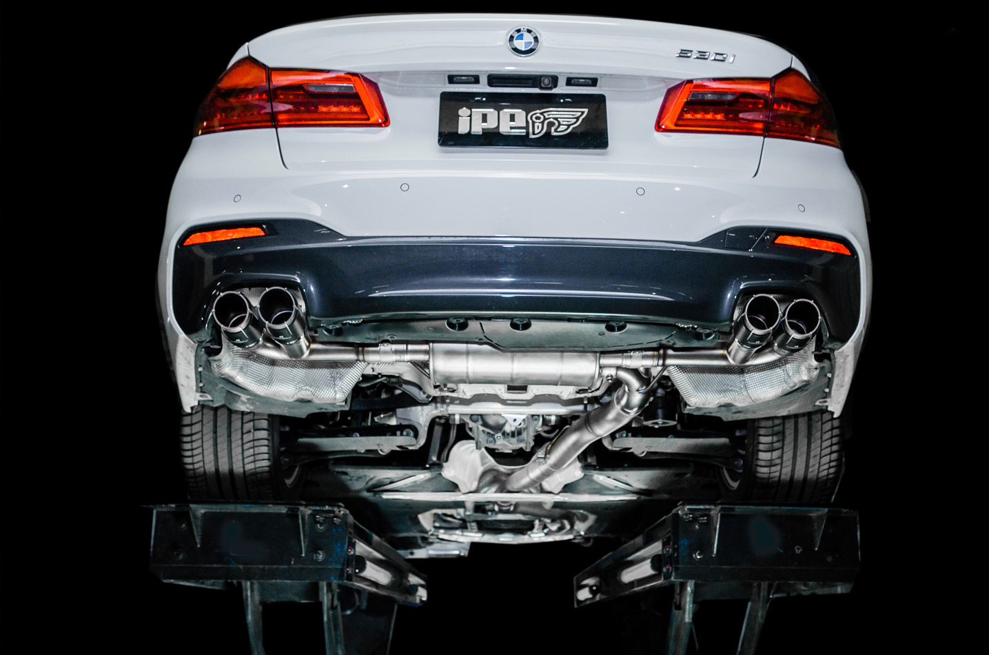 IPE exhaust system for BMW 520i / 530i (G30 G31)