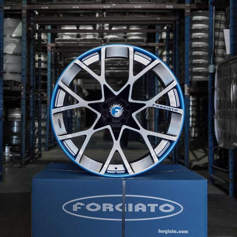 images-products-1-7581-232979869-forged-custom-wheel-insetto-ecl-forgiato_2.0-252-05-16-2018.jpg