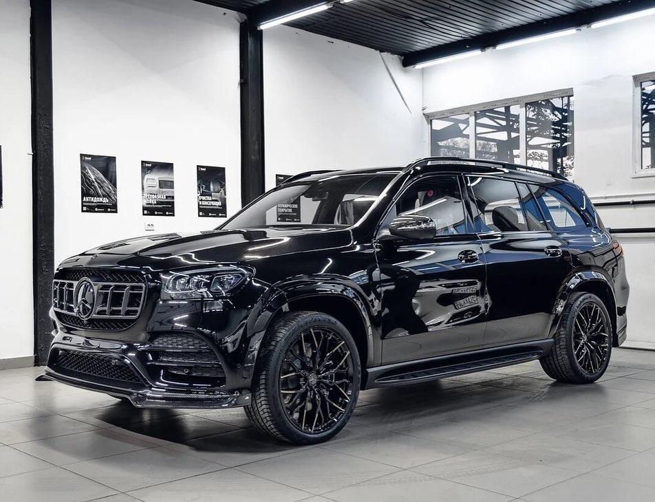 Larte Design Black Crystal body kit for Mercedes GLS new model